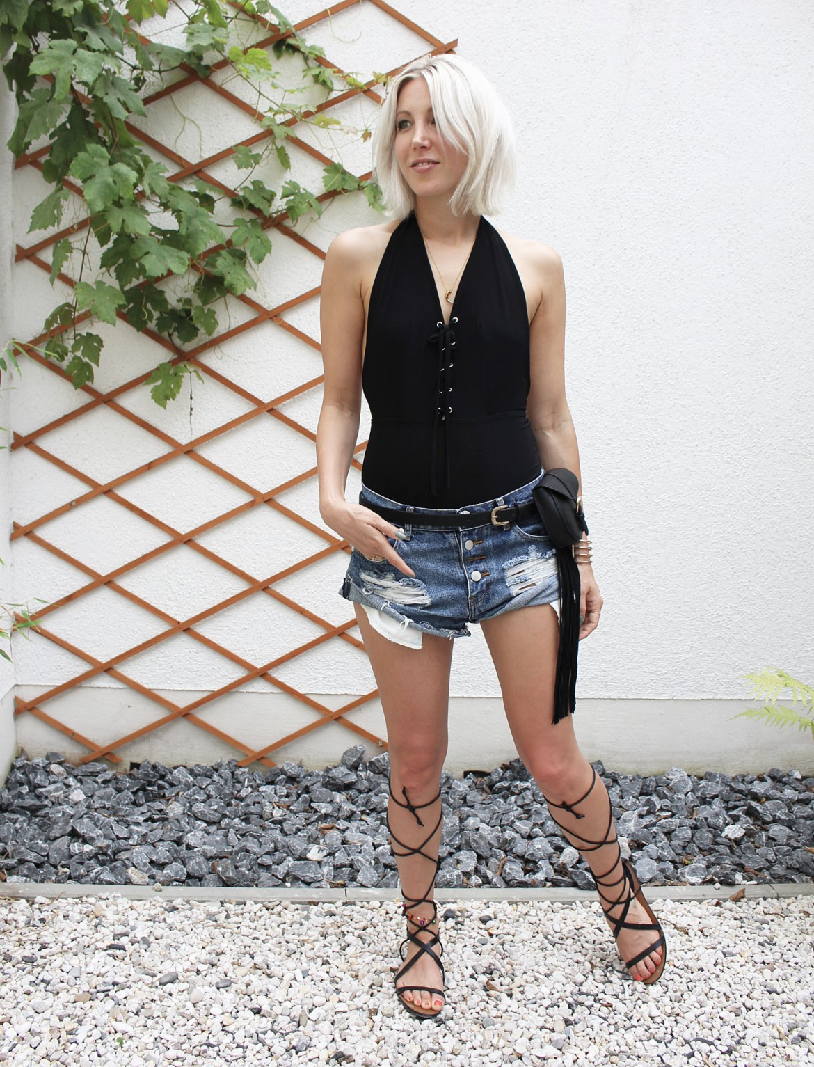 One Teaspoon Denim Shorts Lace Up Body Gladiator Sandals Fringes Look Summer Outfit Style